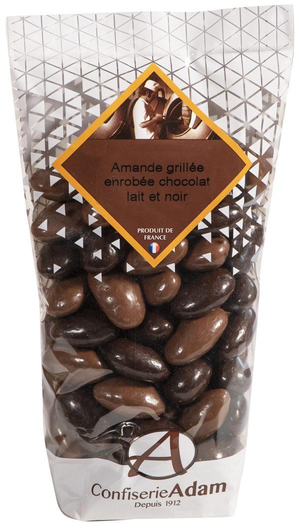 sachet de bonbons amandes au chocolat lait et noir confiserie adam