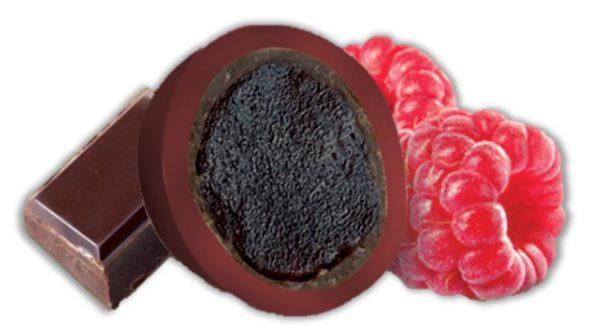 bonbon coeur de framboise purée de fruit et chocolat noir bio