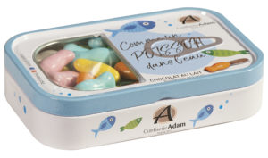 boîte cadeau bonbons sardines au chocolat au lait fermée