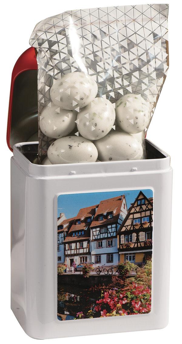 boîte cadeau borne Colmar avec bonbons à l'intérieur